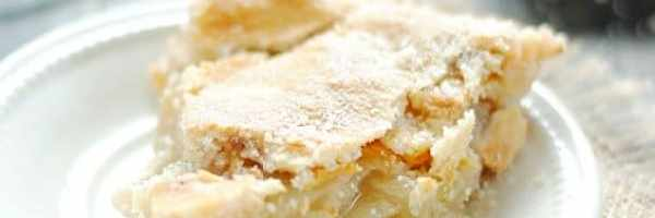 Parmesan Cheddar Apple Pie | www.somethingswanky.com