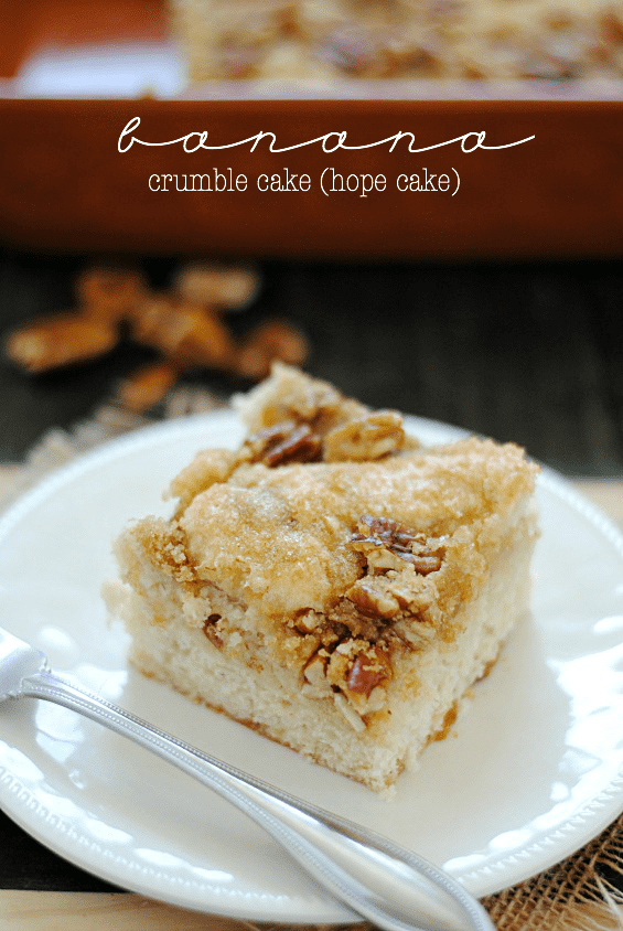Banana Crumble Cake | www.somethingswanky.com