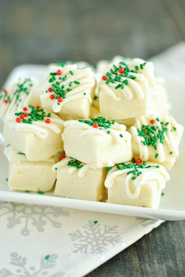 This Vanilla Bean fudge is as easy to make as it is gorgeous! Add it to your holiday cookie plate or serve it at a party.