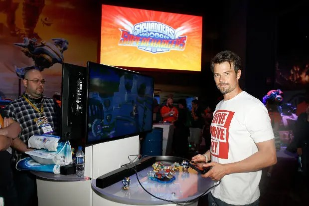 LOS ANGELES, CA - JUNE 17:  Actor Josh Duhamel visits Activision's Skylanders SuperChargers booth during E3 2015 at Los Angeles Convention Center on June 17, 2015 in Los Angeles, California.  (Photo by Joe Scarnici/Getty Images for Activision)