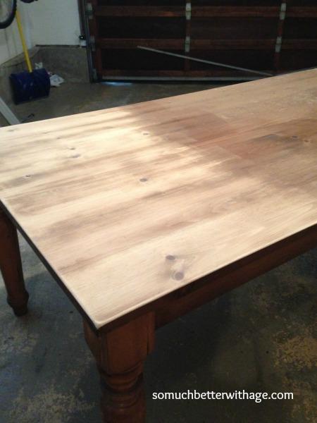 Sanding table www.somuchbetterwithage.com