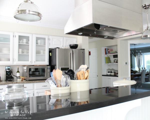 vintage kitchen somuchbetterwithage.com