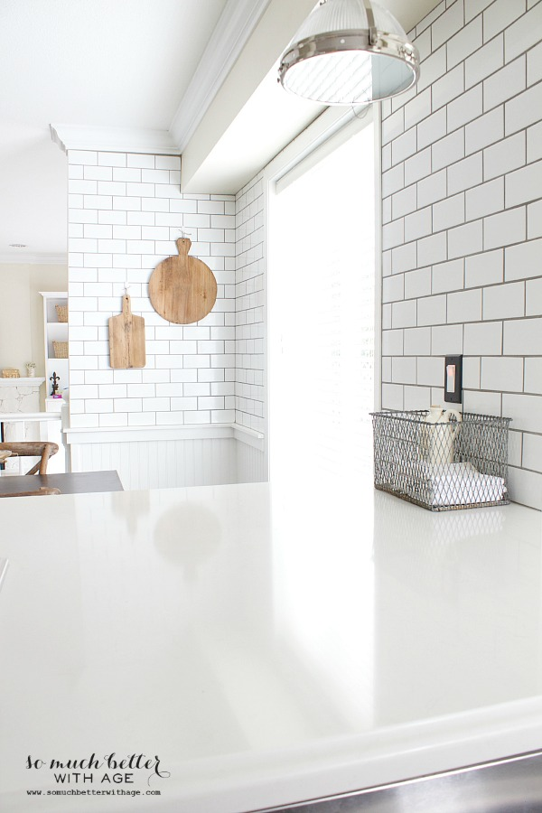 subway tile kitchen /Industrial Vintage French kitchen | somuchbetterwithage.com