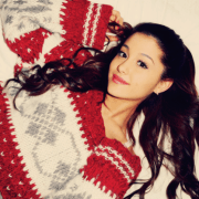 ariana_grande_christmas_sweater