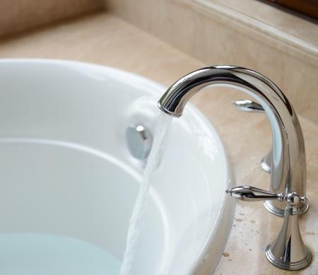 How to repair faucet leak in bathtub