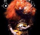 "Björk estrena ""Thunderbolt"""