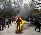 En protesta tibetano se prende fuego