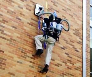 mochila spiderman para escalar muros