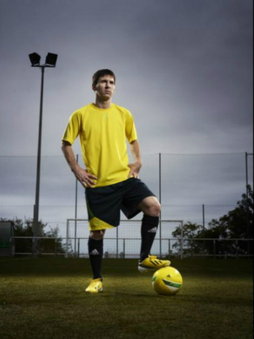 messi_amarillo