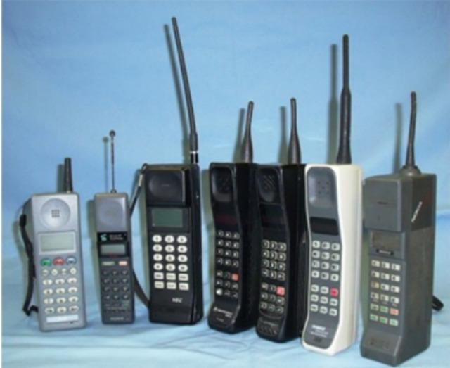 Teléfonos análogos de los años ochenta.