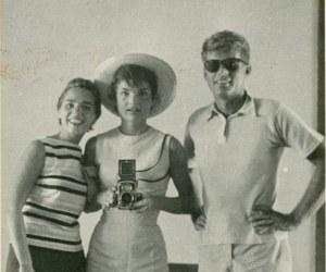 Tomando la foto casual en 1954 durante una visita a la Casa Blanca.
