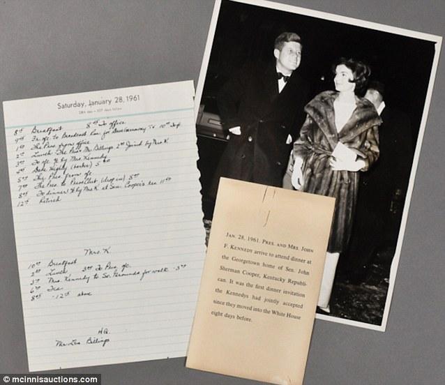 Un paseo nocturno una semana antes de asumir la presidencia en 1961.