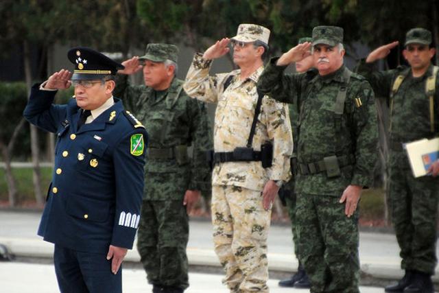 Moises García Ochoa (izquierda).