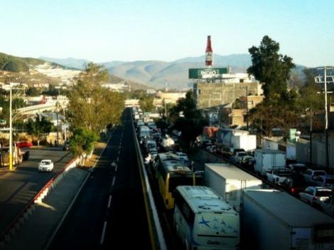 bloqueo autopista del sol (3)