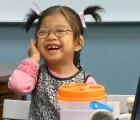 El conmovedor momento en el que una niña oye por primera vez