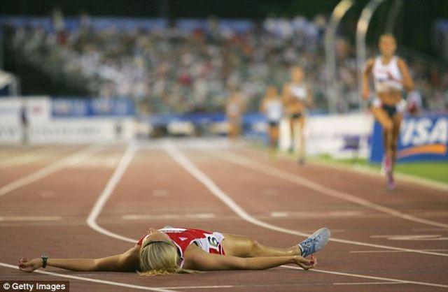 Ann Gaffigan después de haber roto un récord americano