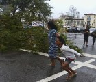 Tifón Haiyan, uno de los más poderosos de la historia, deja 100 muertos en Filipinas