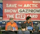 Video: En plena conferencia del Real Madrid, Greenpeace hizo su aparición