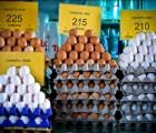 La diferencia entre los huevos blancos y cafés