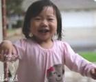Video: La conmovedora reacción de una bebé al conocer la lluvia