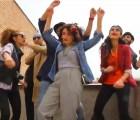 """Arrestan a jóvenes en Irán por andar """"Happy"""""""