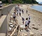 Japoneses regalan juguetes sexuales por limpiar playas
