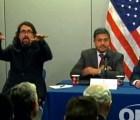 Receta para hacer entretenidas las conferencias de prensa
