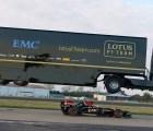 Video: ¿Un trailer saltó a un coche de Fórmula Uno?