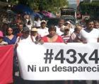 """Inició en Iguala la marcha de """"los 43x43"""" con dirección al DF. Día 38 y no los encuentran"""