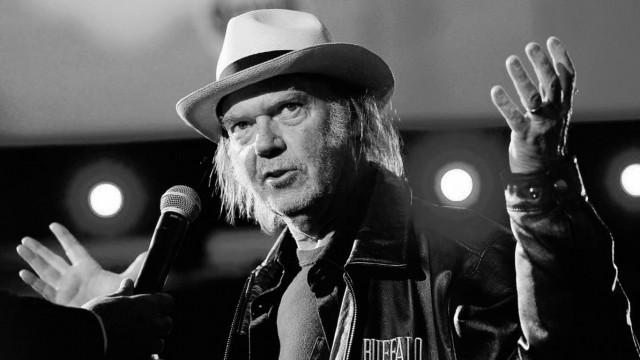Neil-Young-Boycotts-Starbucks-Denounces-GMOs