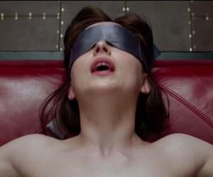 Mujer pierde control de sus fluidos corporales durante #50SombrasdeGrey
