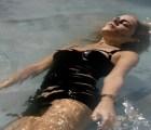 """Mira el bello y decadente video de """"Falling Apart"""", el nuevo sencillo de Emile Haynie"""
