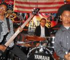 Ve a la banda preadolescente Unlocking the Truth tocar con Marilyn Manson