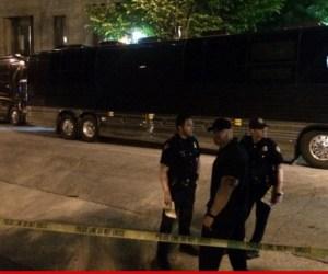 0426-sub-lil-wayne-police-tour-bus-twitter-3