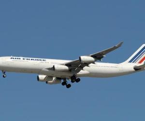 60614091.AirFrance_A340_FGLZU_1_b