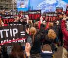 El mundo contra tratados de libre comercio, miles salen a las calles