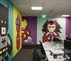 Murales Godínez de superhéroes, hechos con post-it