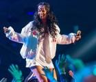 """Rihanna estrenó en vivo """"American Oxygen"""" y la puedes escuchar por acá"""