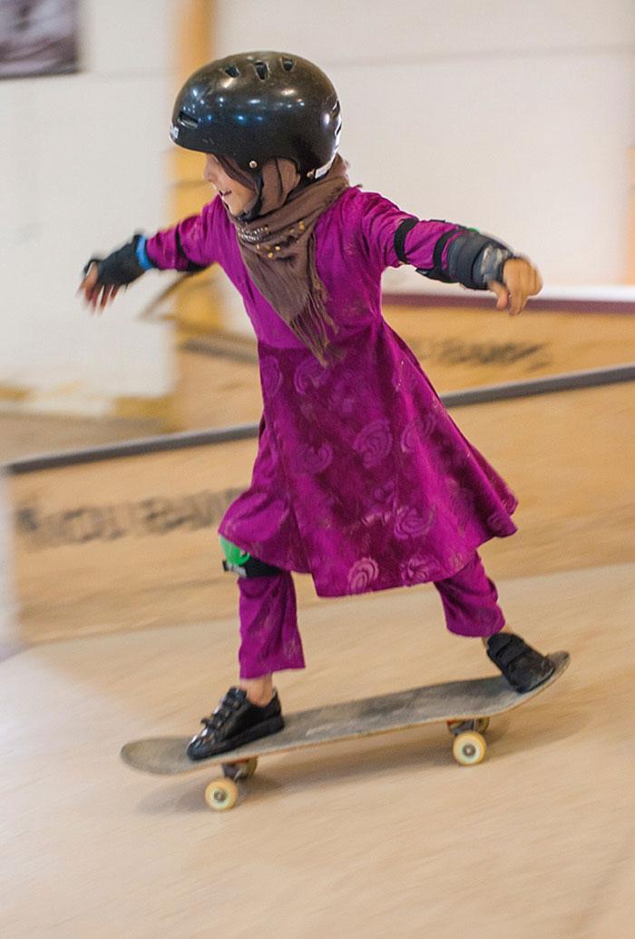 skateistan-skateboarding-girls-afghanistan-jessica-fulford-dobson-5