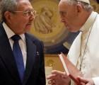 """""""Si sigue así, volveré a rezar"""", dice Castro sobre el papa Franciso"""