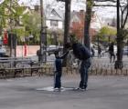 ¿Qué tan fácilmente puede llevarse un desconocido a un niño?