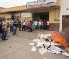 Atacan oficinas del INE en 4 estados, queman material electoral