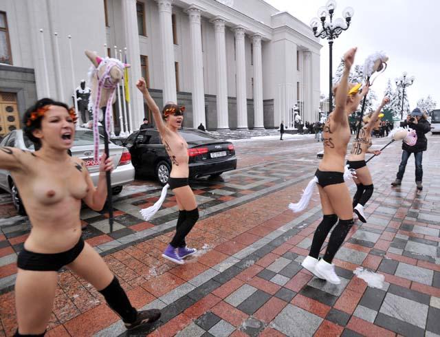 muchachas_parlamento_ucraniano_4