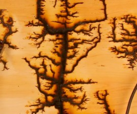 150 mil voltios en madera