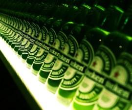 ws_Heineken_bottles_1600x1200