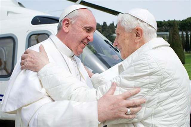 benedicto_XVI_regresa_
