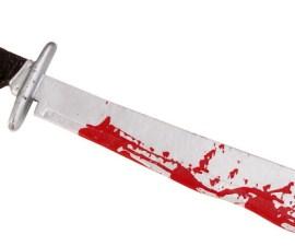 machete-ensangrentado-3