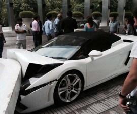 Lamborghini smashed by Vallet parking driver at hotel LeMerdien,Delhi