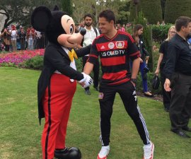 chicharito mickey mouse