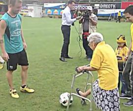 abuelita 102 anos futbol